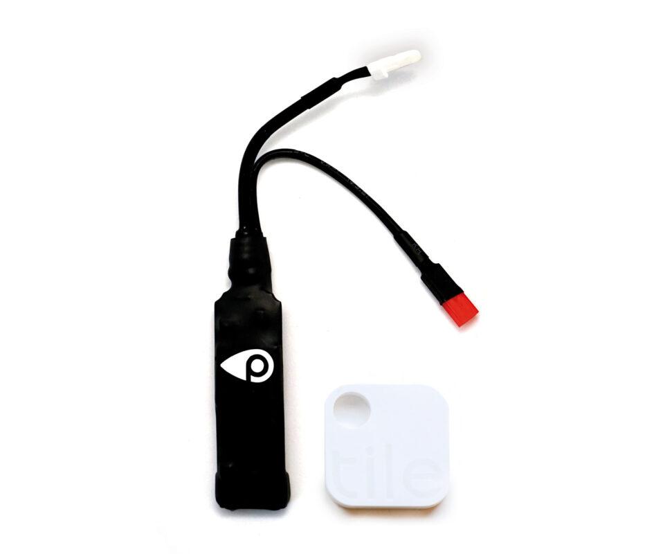 Ein echter GPS-Tracker wie BikeTrax ist aufgrund seiner hochwertigen Komponenten größer als ein Bluetooth-Ortungschip